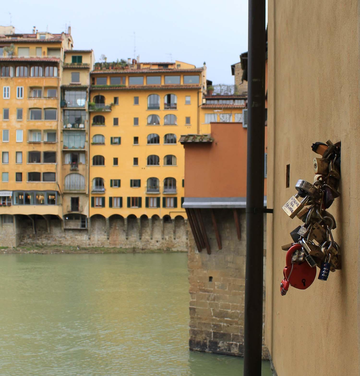 Italy love lock fad