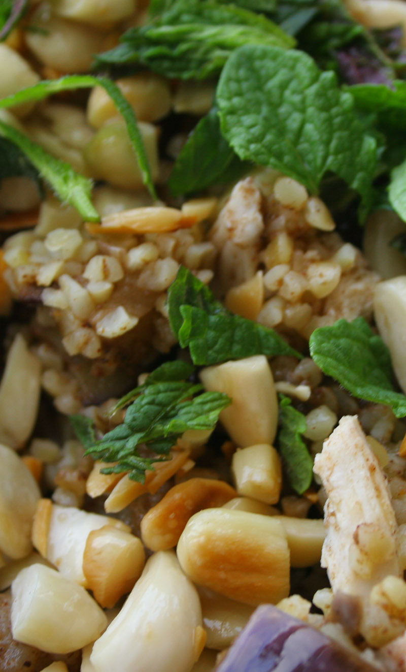 Bulgur chicken salad