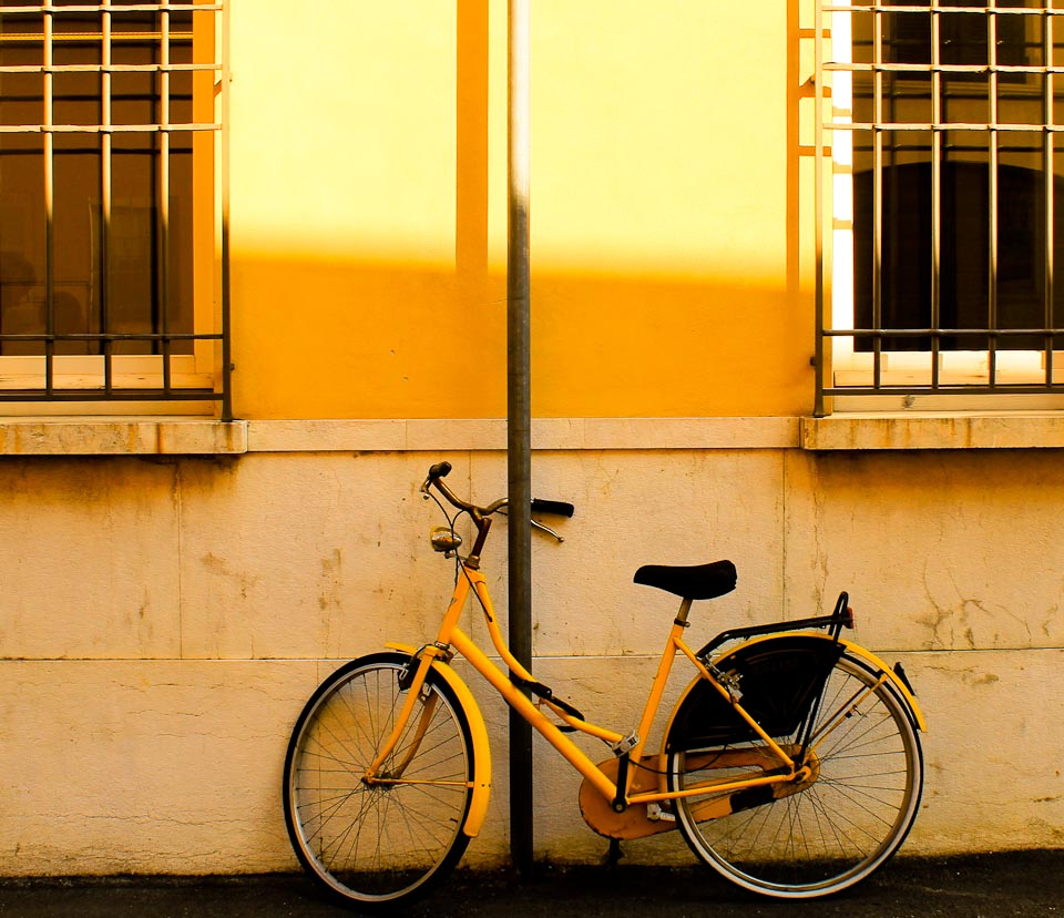 Sights in Ravenna - Yellow bikes