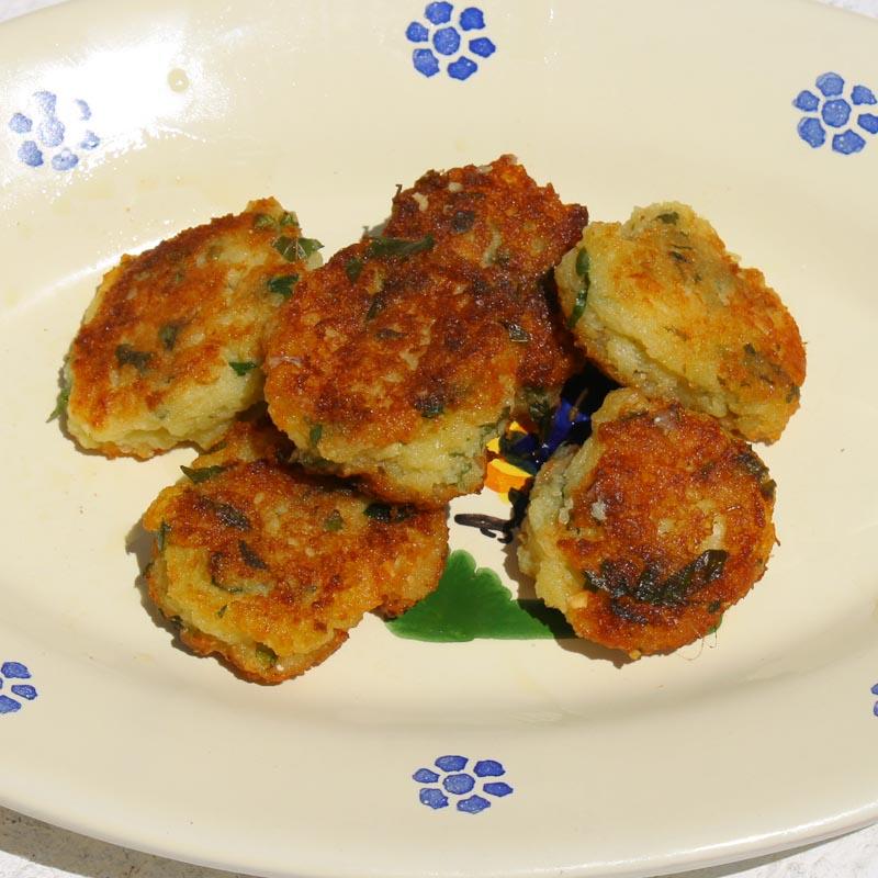 pHOTO OF Egg and bread dumplings
