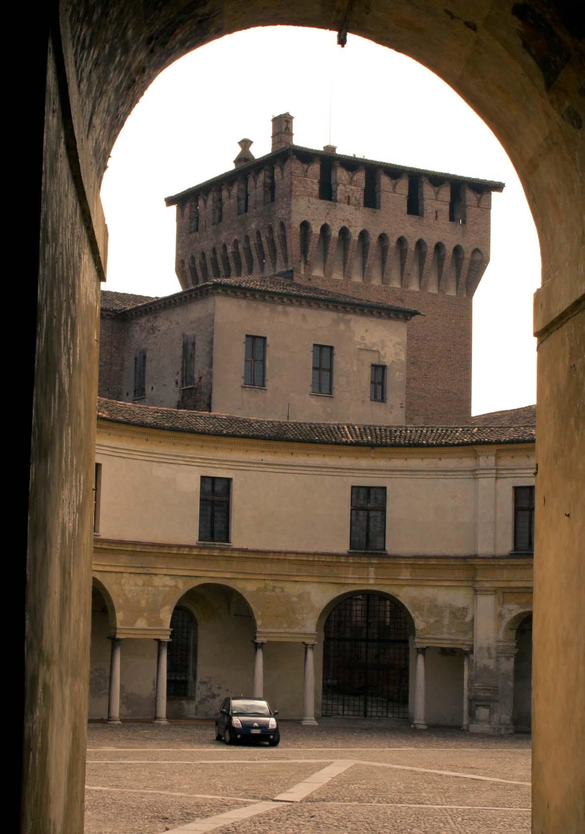 Mantova art work extravaganze