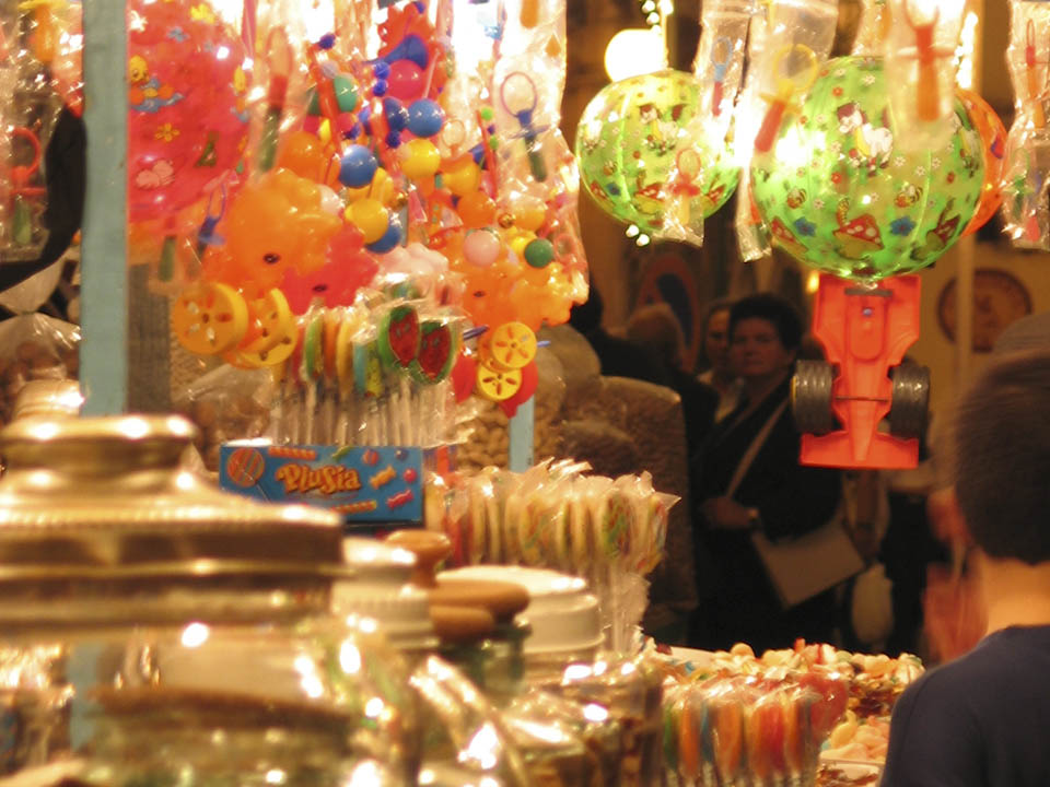 Candy stall marking epiphany in Italy - Italian Notes