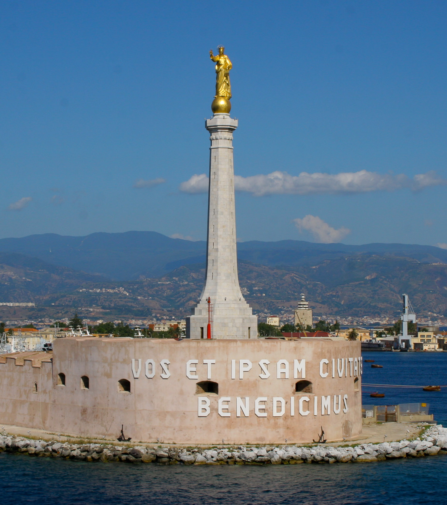 Messina Port and the blessing of the golden madonnina
