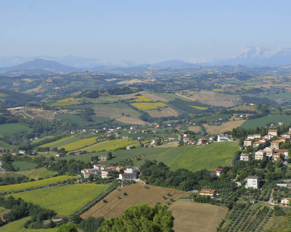 Designer shoe shops and outlets in Le Marche - Italian Notes