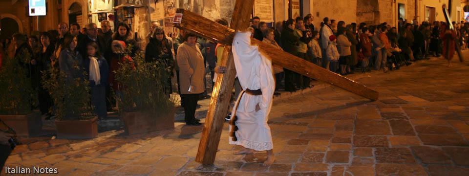 Carrying the Cross – Easter in Francavilla Fontana