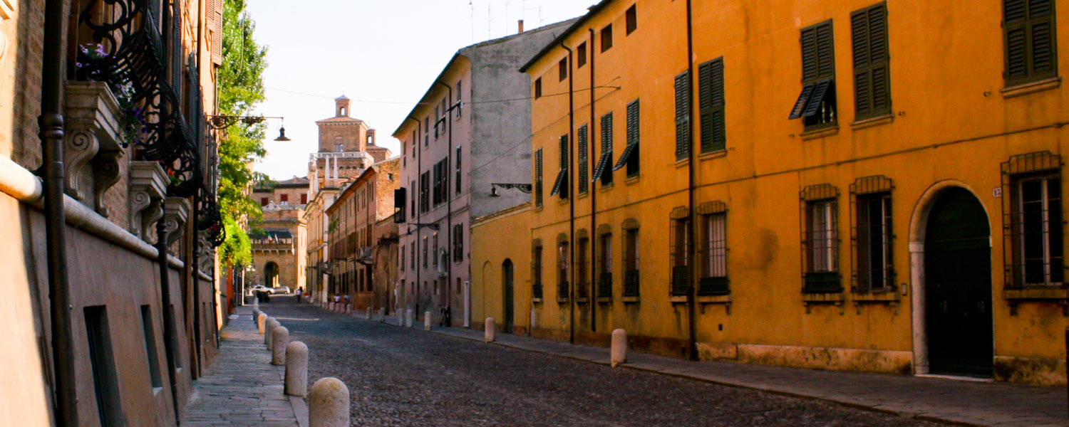 Ferrara and the Origin of Urban Planning - Italian Notes
