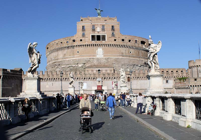 Five romantic bridges in Rome