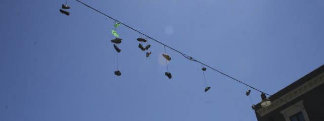 Urban legends: Shoe tossing in Catania