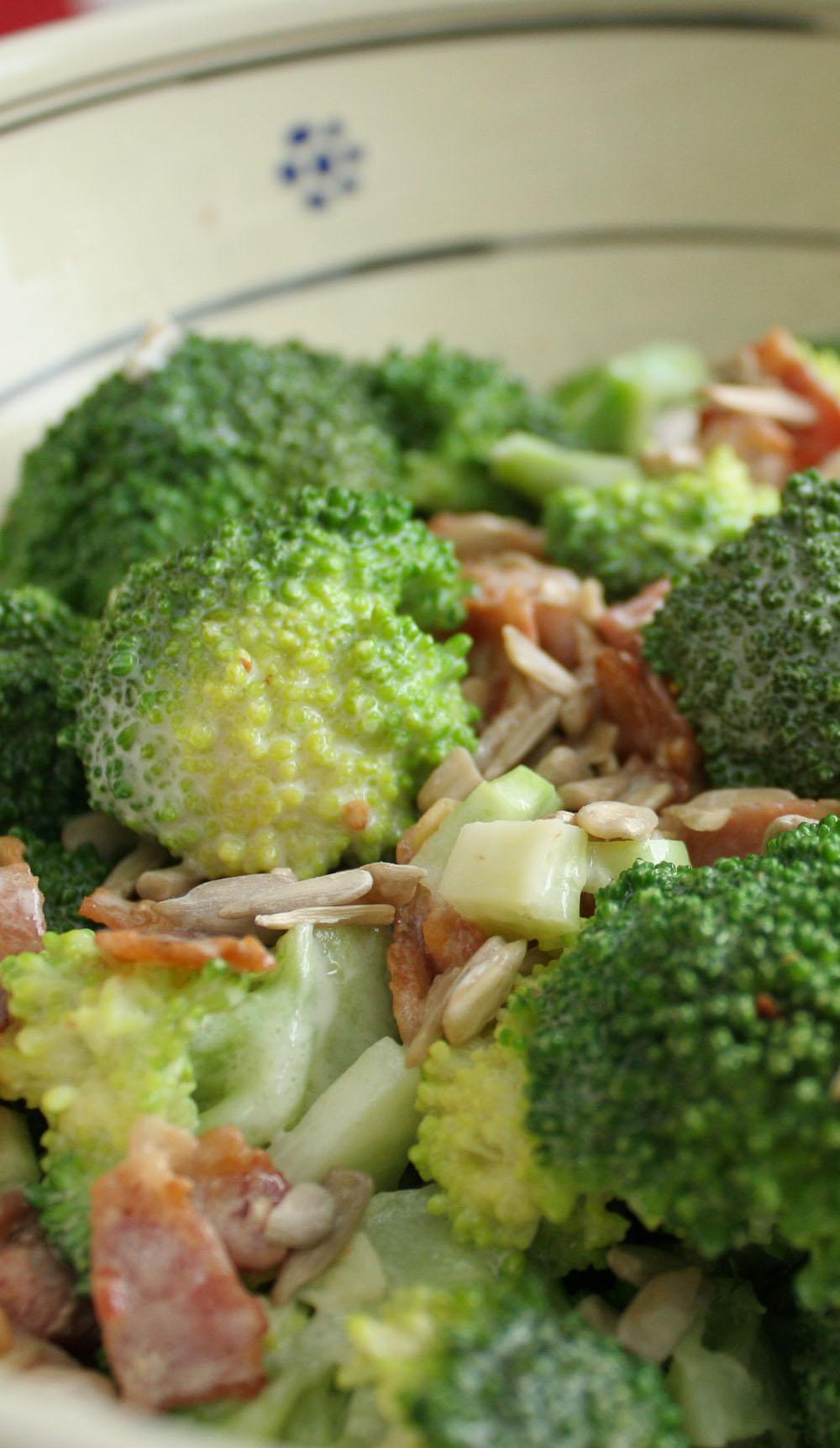 Broccoli and bacon salad - Italian Notes