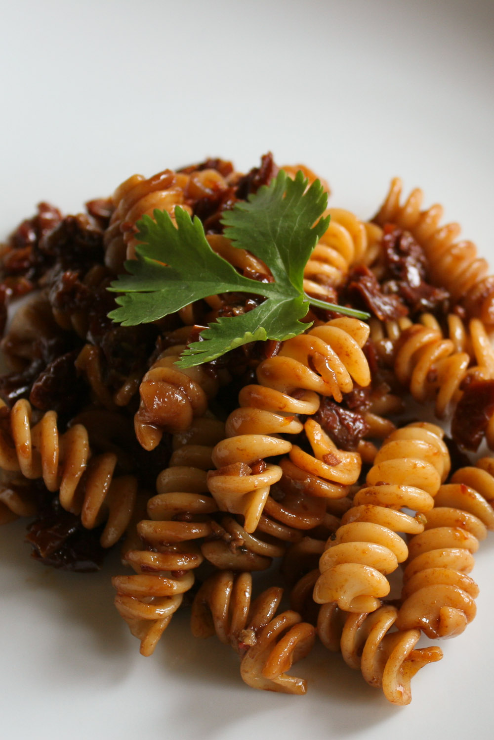 Pasta with sun dried tomatoes and balsamic vinegar - Italian Notes