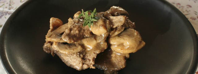 Veal scallops with mushrooms