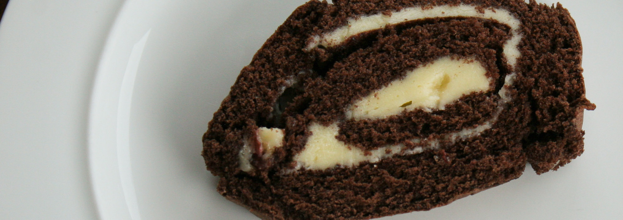 Chocolate roll with buttercream - Italian Notes