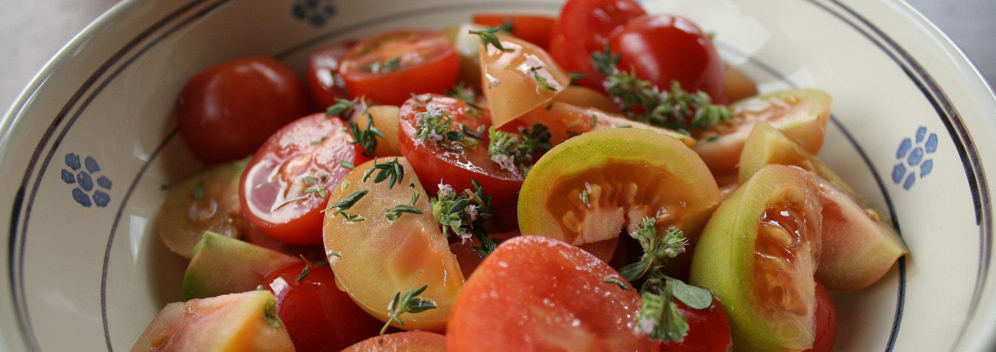 Multicoloured tomato salad - Italian Notes