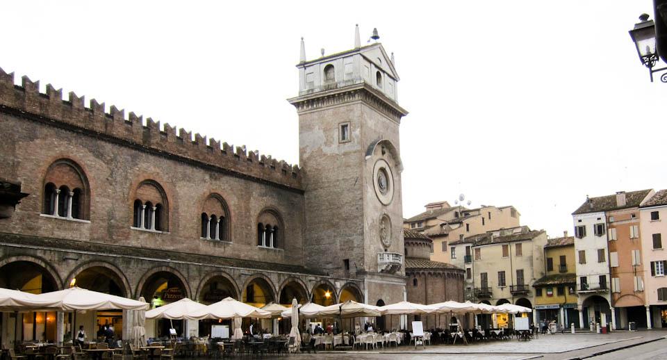 Piazza delle Erbe in Mantova - Italian Notes