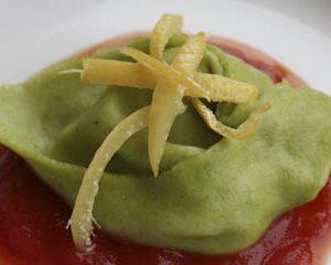 Green tortelloni with gorgonzola