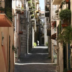 A narrow street in one of the small towns in the Italian region Molise.