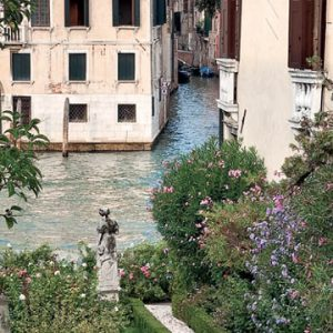 Gardens of Venice and the Veneto by Alex Ramsay