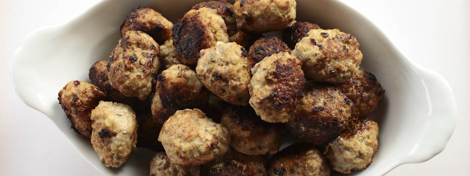 Meatballs with cranberries and capers1
