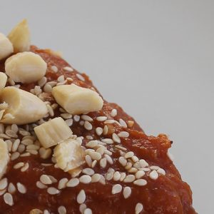 Chicken with almonds and apricots