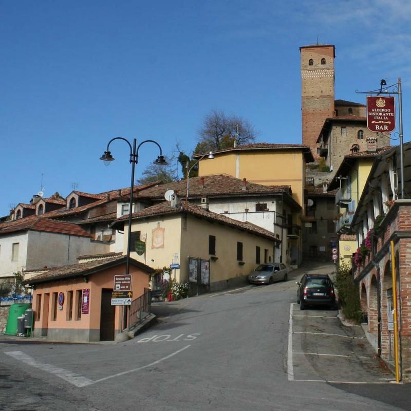 Serralunga d'Alba - Visiting the Barolo villages
