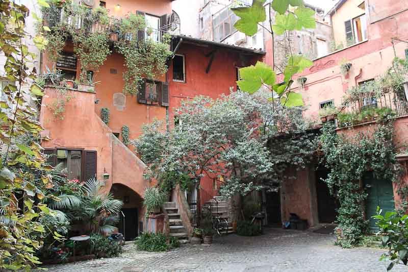 A Secret corner of Rome a few steps from Campo de' Fiori
