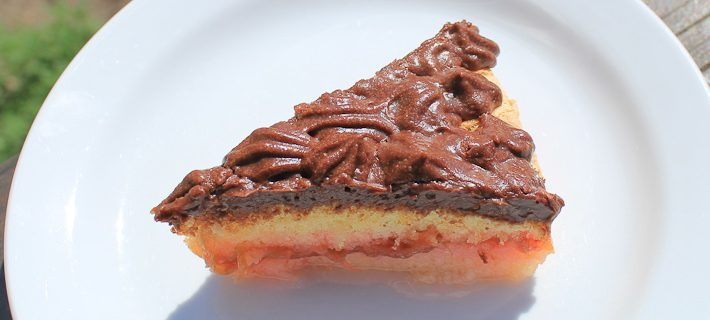 Photo of sponge cake with rhubarb and chocolate mousse