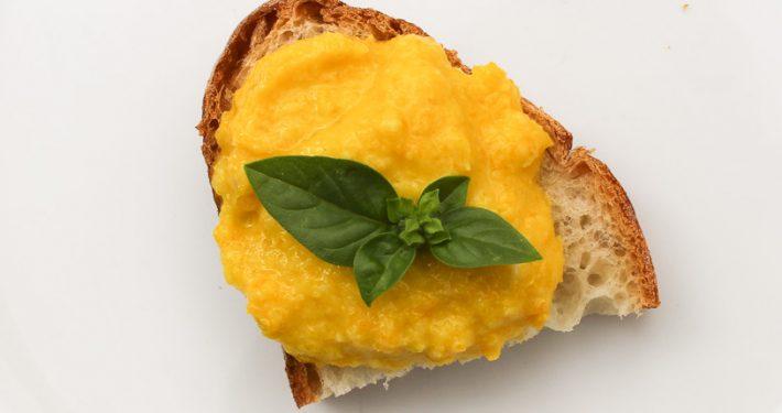 Bruschetta with yellow pepper pesto