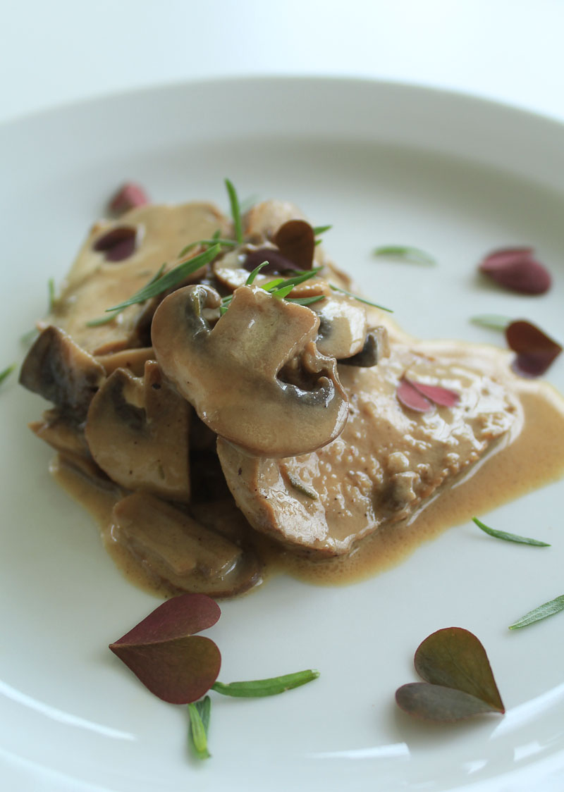 Lamb fillet with mushroom and tarragon sauce