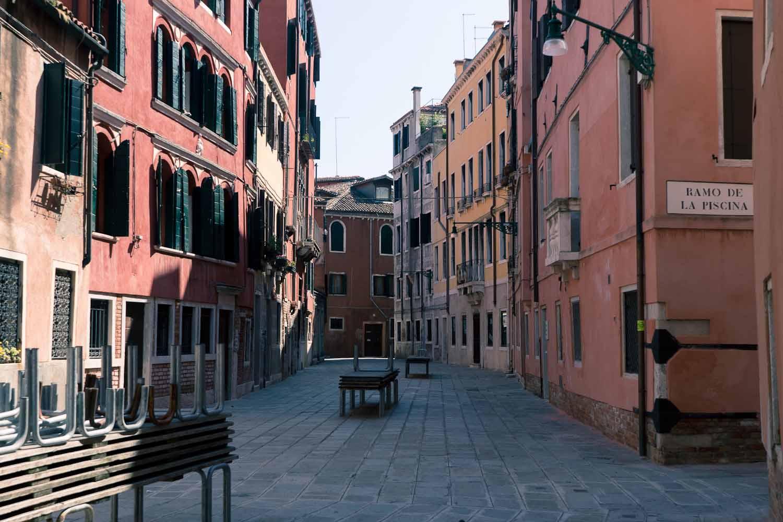 #SavingVenice guide to the best photo spots in Venice - Ramo de la piscina