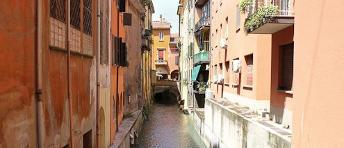 Bologna's Hidden Canals - Italian Notes