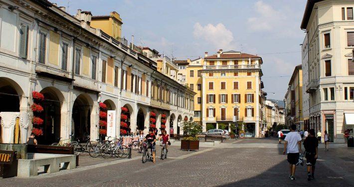 Things to See in Brescia Corso Guizeppe Zanardelli- Italian Notes