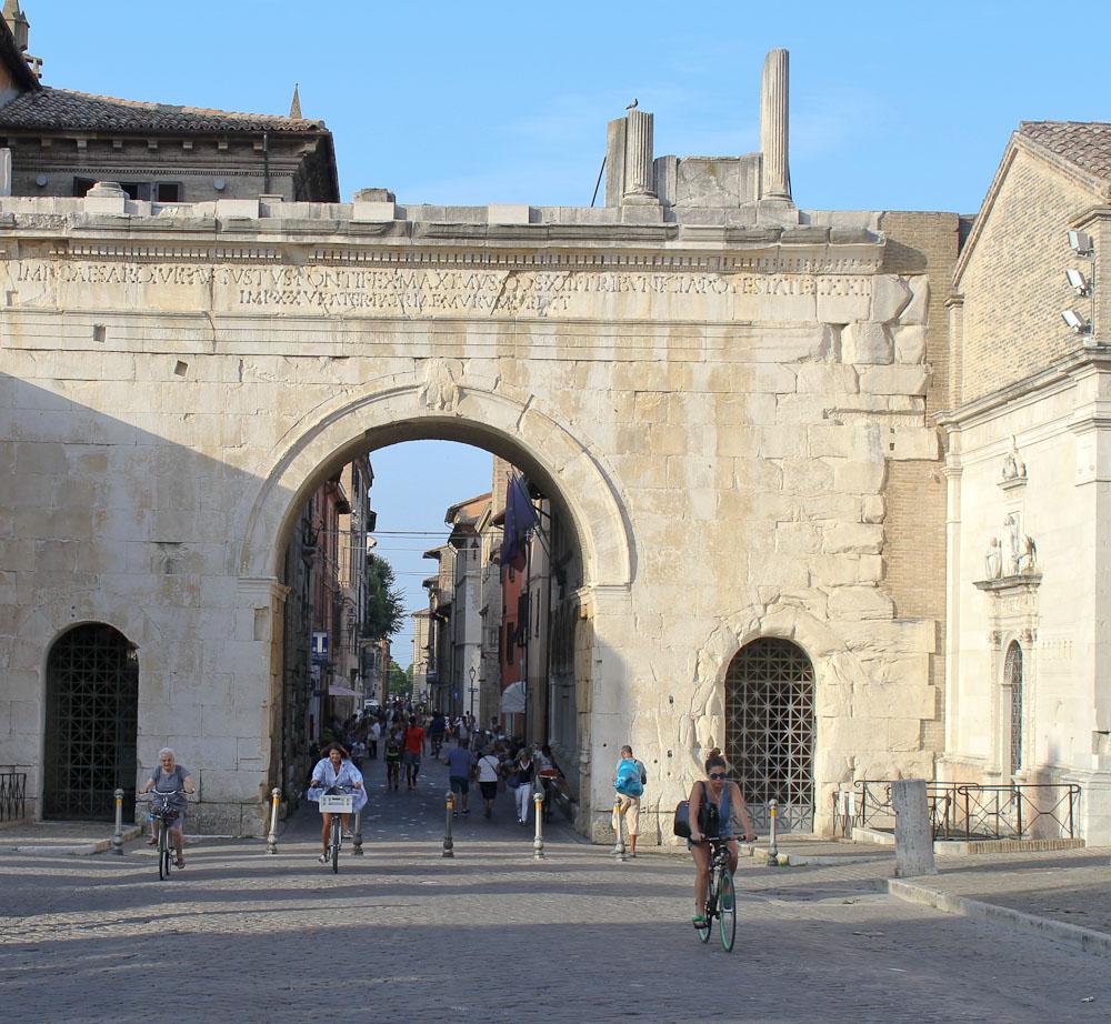 Arco di Augustus Fano in Le Marche -Italian Notes