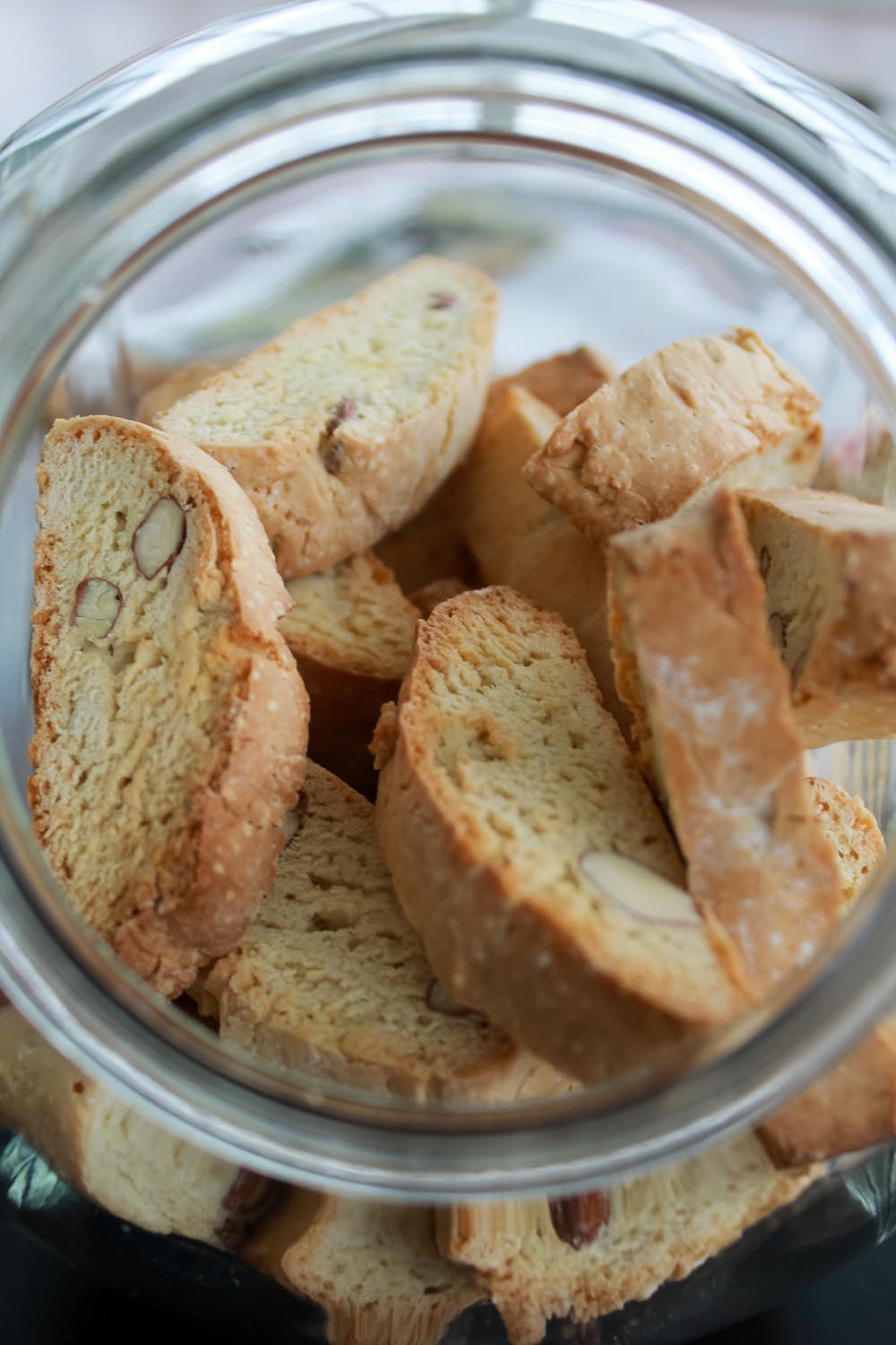 Cantuccini almond biscuits - Italian Notes