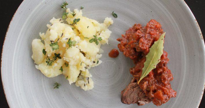Pot roast with crushed potatoes - Italian Notes