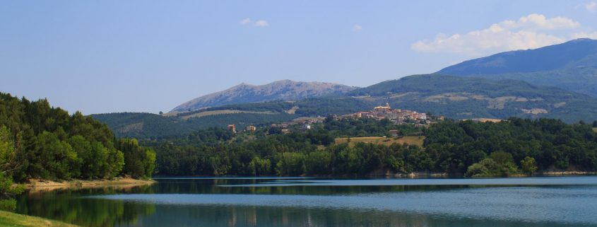 Lago di Pietra del Pertusillo Lakes of Lucania - Italian Notes