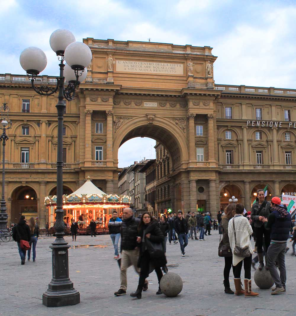 Piazza della Reppublica Best Views of Florence- Italian Notes