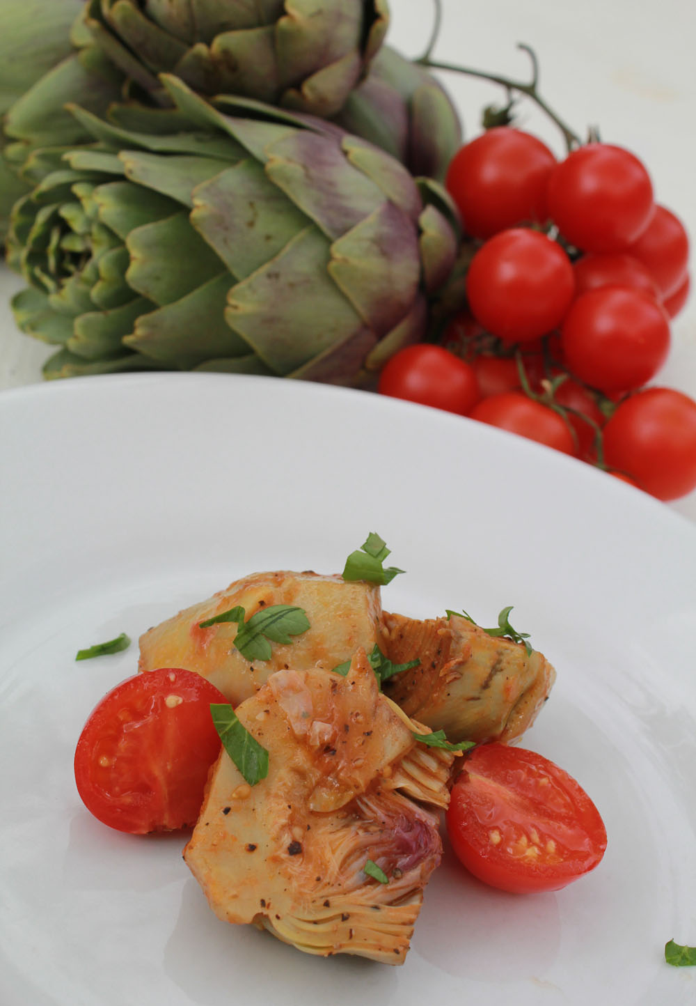 Artichoke ragù with tomatoes - Italian Notes