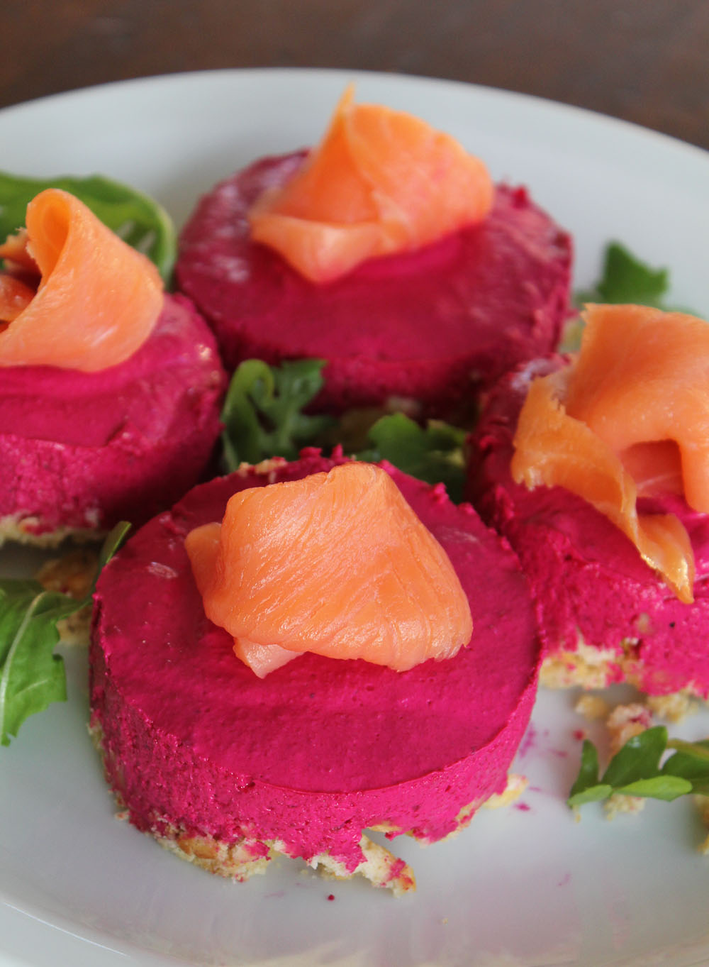 Beetroot cheesecake with smoked salmon - Italian Notes
